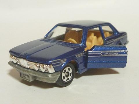トミカ BMW 320i