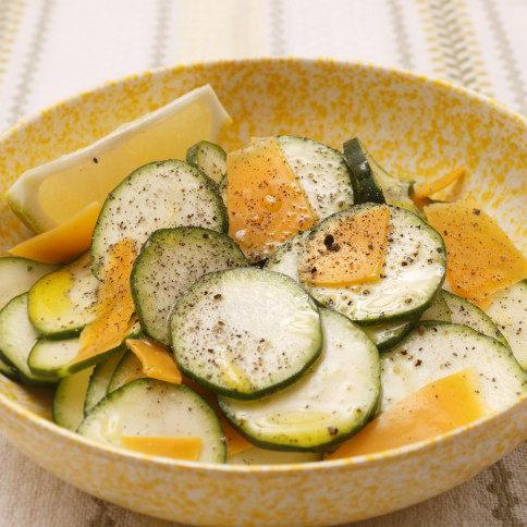 ズッキーニとチーズのサラダ